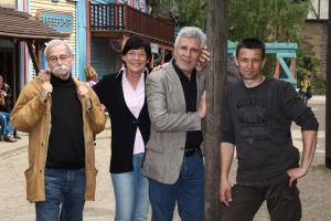 Im filmpaGojko Mitic und Frank Träger , mit Regisseuer Ralf Losansky zur zur DVD-Reihe zum Film