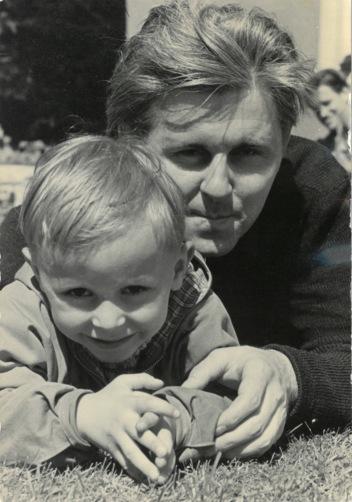 Benno Pludra mit Sohn Thomas 1954_Fotor