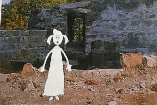 Carola als Gespenst. Einbelichtung von der Bildmatrize in den Realfilm